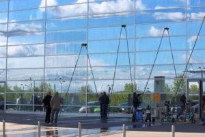 Lavaggio vetri in quota a Varese